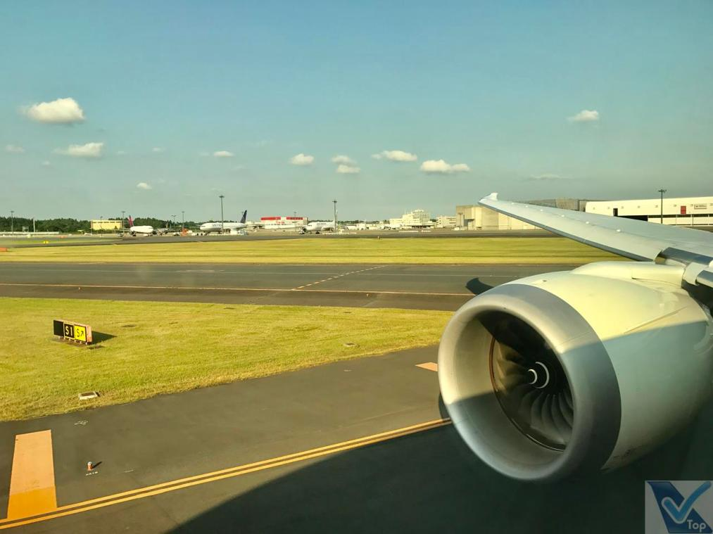 Taxiando - Narita - B787 - ANZ (1)