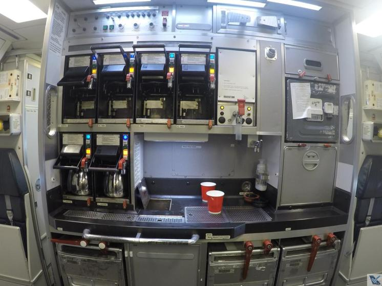 A330-Qantas-Galley-1