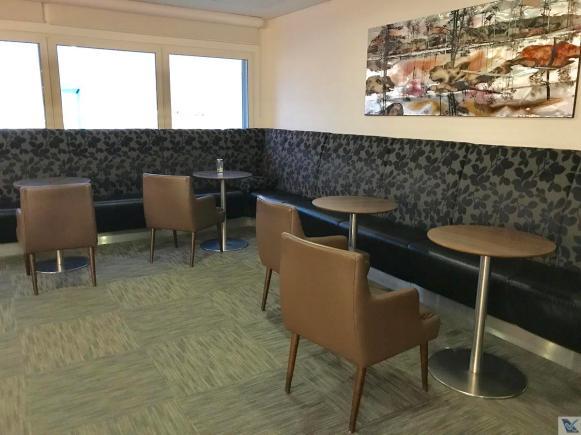 Sala VIP - British - Mesas e Sofá