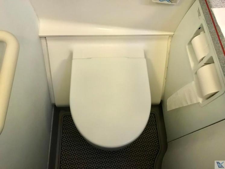 Banheiro - A320 - LATAM GRU-AEP (3)