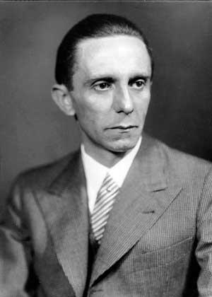 Paul Joseph Goebbels foi um político alemão e Ministro da Propaganda na Alemanha Nazista entre 1933 e 1945
