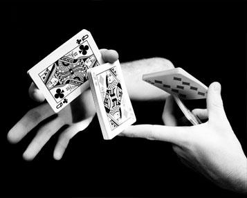 illustionist-magician-card-trick.jpg