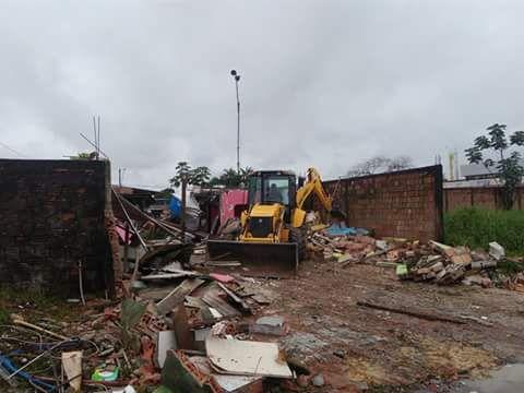 Após a demolição, o local ficou deserto