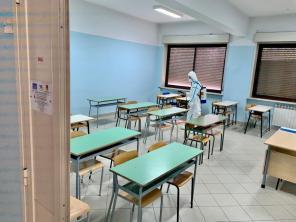 L'Esercito sanifica le scuole nel messinese prima degli esami di maturità (5)