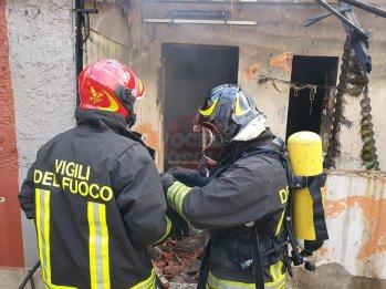 incendio e spazzatura maregrosso12