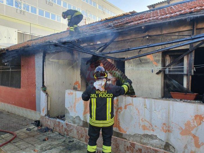 incendio e spazzatura maregrosso8
