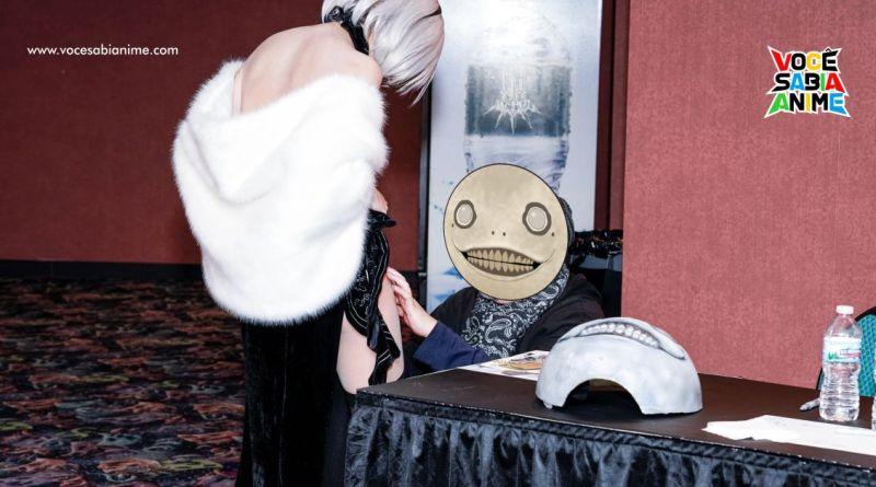 Diretor de Nier Automata - Yoko Taro assina coxa de Cosplayer