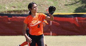 Nicole Torres, de las Chicas de Guayanilla, ganó la competencia del corrido de bases.