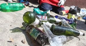 La basura acumulada en los cuerpos de agua representan un peligro para la flora y la fauna. (Flickr / Municipalidad Antofagasta)