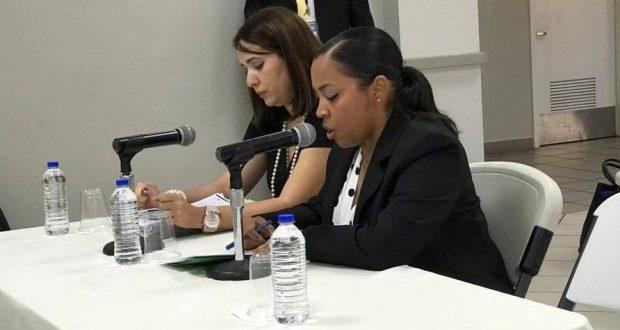 Las abogadas Edmeé Zeidán y Anabelle Peterson (al micrófono) representaron a la presidenta de la JCA en la vista pública. (Facebook / Dr. Carlos Rodríguez Mateo Senador Distrito Guayama)