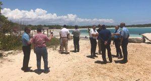 El grupo verificó las rutas de emergencias en el área de La Playuela, conocida popularmente como Playa Sucia, la cual es una de las más visitadas por los turistas locales y extranjeros.
