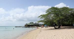 La Playa El Combate es una de las más visitadas en Cabo Rojo. (Voces del Sur)