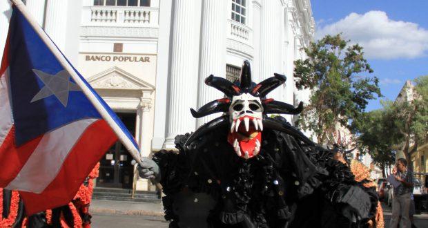 Los vejigantes forman parte de la tradición del Carnaval de Ponce.