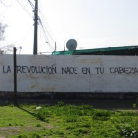 LA REVOLUCIÓN NACE EN TU CABEZA