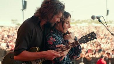 Photo of Lady Gaga i Bradley Cooper poza kinem. Narodziny gwiazdy w Chili