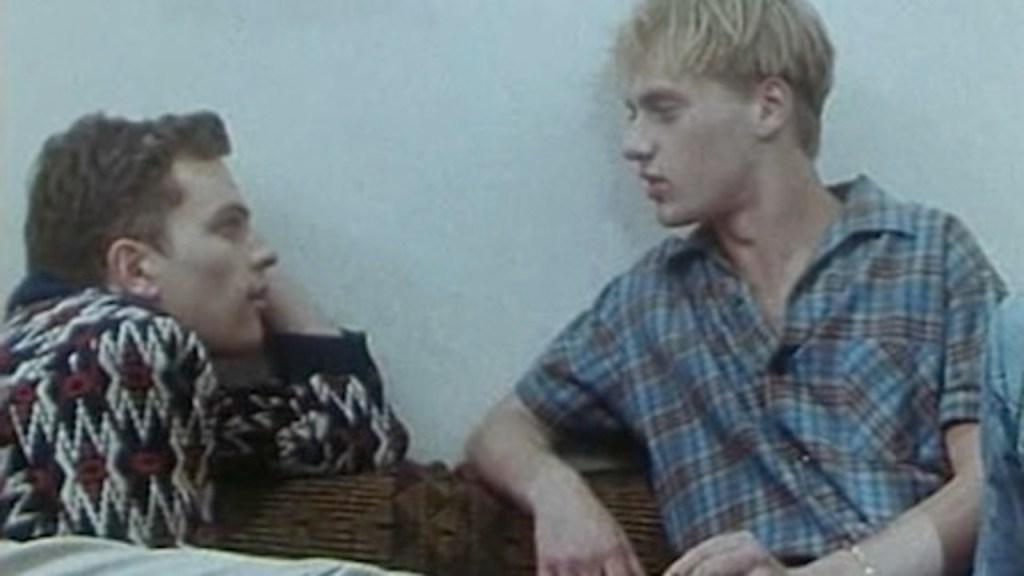 """Premiera klasyku LGBT """"Po wschodniej stronie muru"""" już w sierpniu w serwisie Outfilm"""