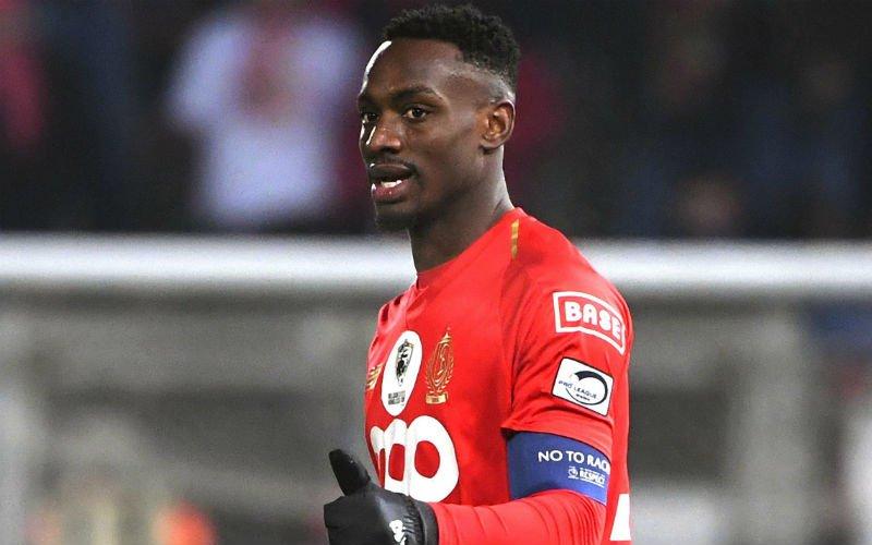 Mpoku bezorgt Standard de zege in felle strijd tegen Charleroi