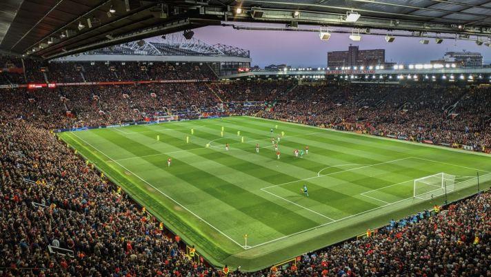 Een bomvol Old Trafford wat de thuishaven is van een van de beste Engelse voetbalclubs, Manchester United. Tijdens een voetbalreis naar Manchester mag een bezoek aan Old Trafford niet ontbreken. Wanneer ga jij naar de voetbalstad Manchester?