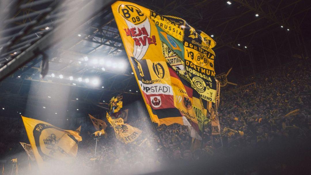 Harde kern van Borussia Dortmund in het Westfalen Stadion