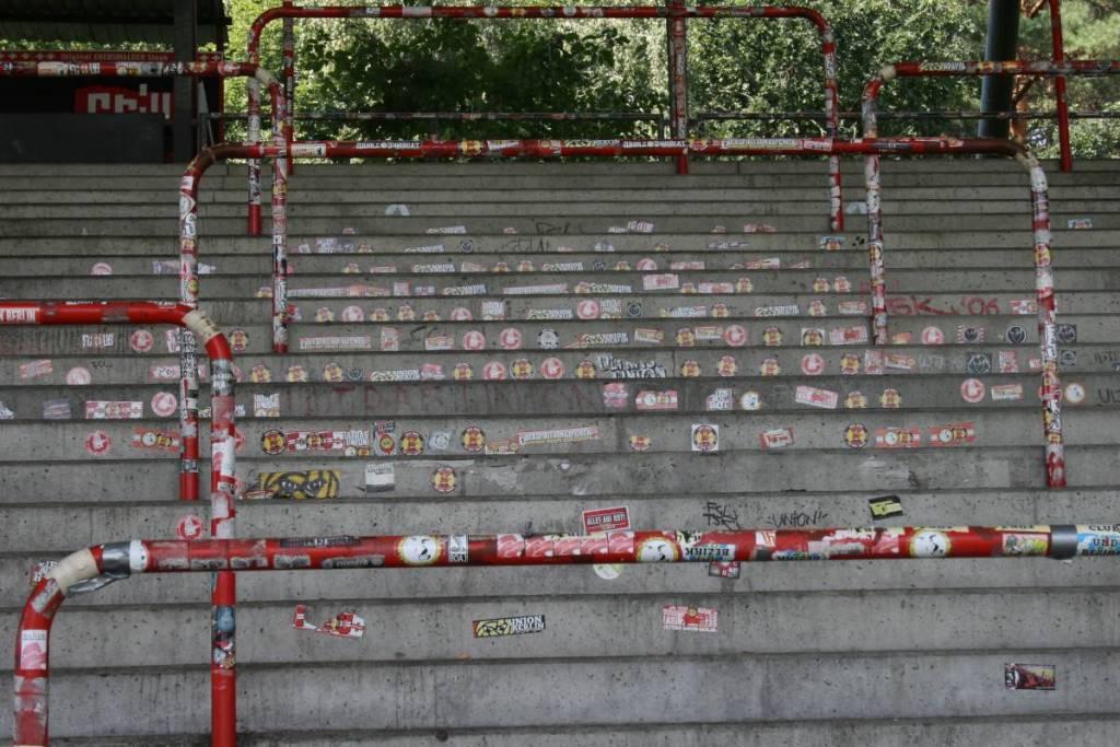 De staantribunes in het Stadion an der Alten Försterei.