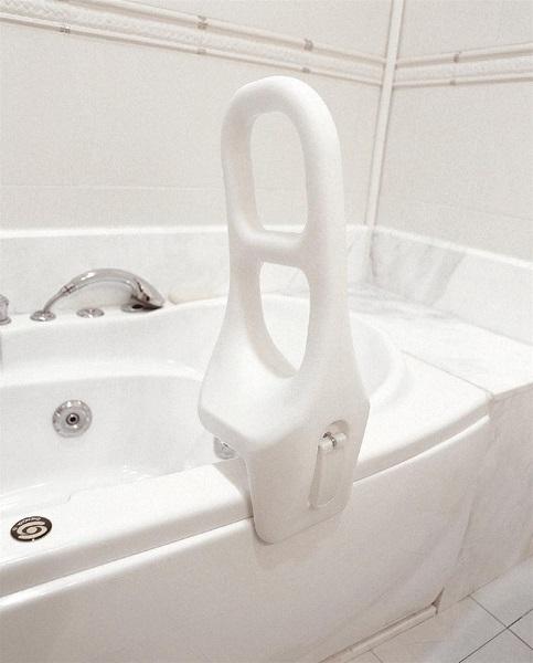 Допълнителна дръжка монтирана на вана