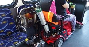 Кислородна бутилка с медицински кислород на скутер