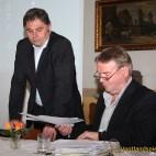 Bürgermeister Gerd Grüner stellt zur Ortsteilratssitzung in Caselwitz Bürgerhaushalt der Stadt Greiz vor