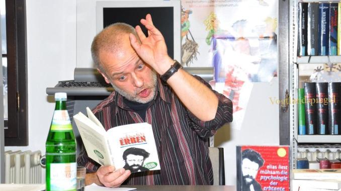 Die Psychologie der Erbtante von Erich Mühsam - Holger Elias in der Greizer Bibliothek