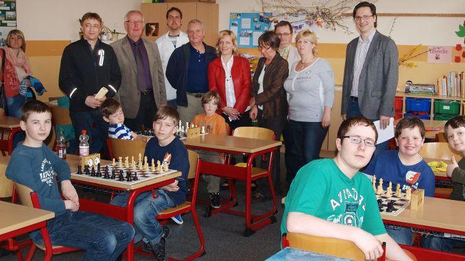 Junge Schachspieler wetteiferten bei den Kreisjugendspielen in den Sommersportarten um den Sieg.
