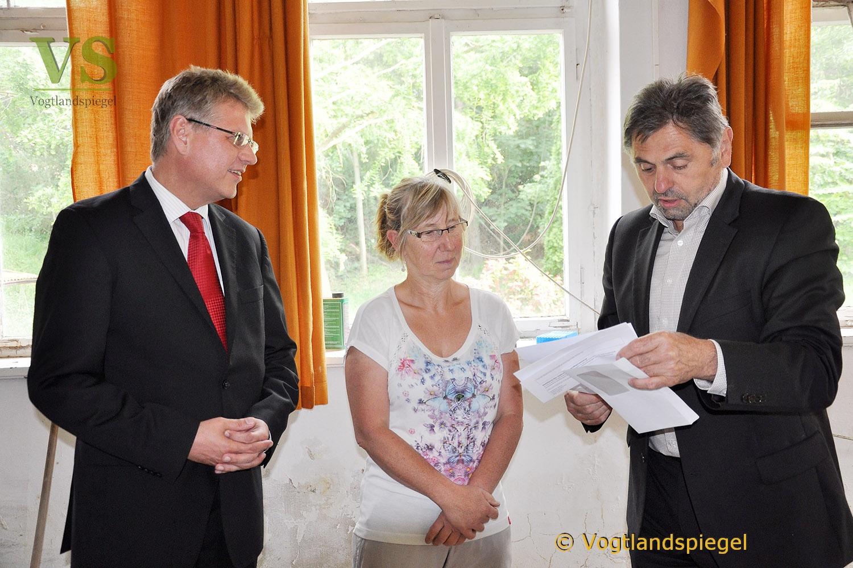 Geschäftsführer der Stadtwerke Weimar überbringt Spende an Dölauer Familie