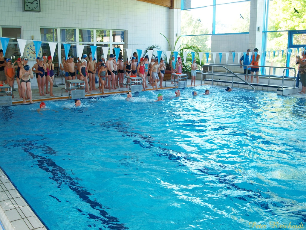 Schwimmhalle öffnet erst am Montag, dem 26.08.2013