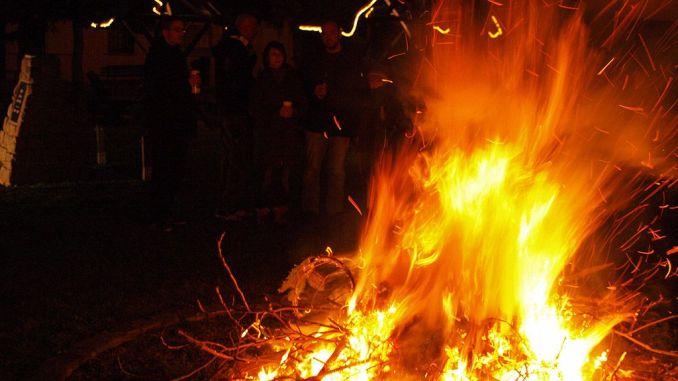Das Neue Jahr in Gommla flammend begrüßt