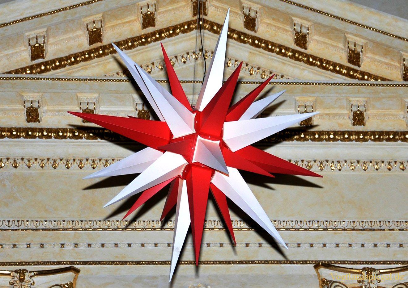 """Weihnachtsstern in der Greizer Stadtkirche """"St. Marien"""""""