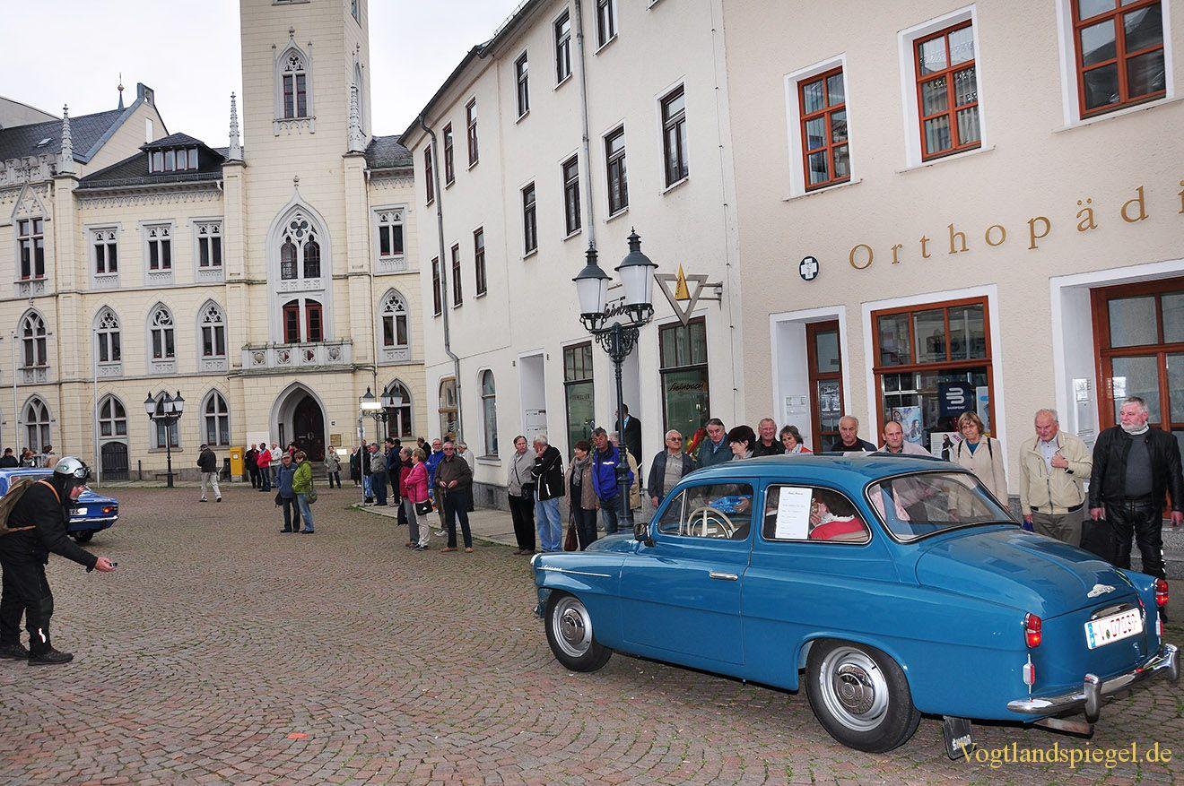 Greizer empfangen Oldtimerausfahrt auf dem Markt