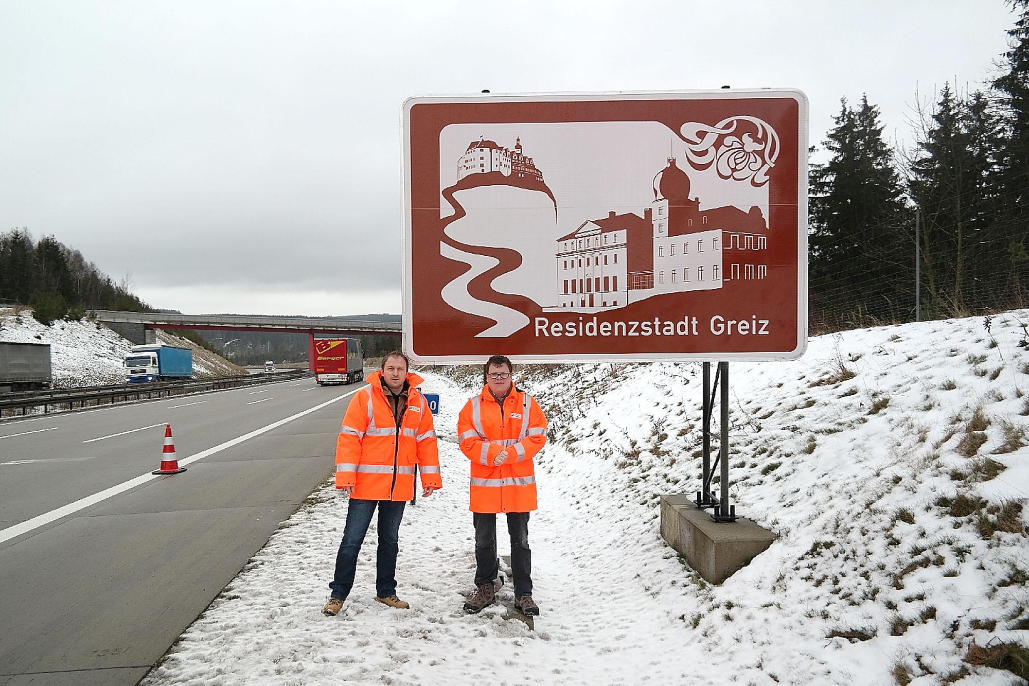 Neue Hinweistafeln an der Autobahn werben für Greiz