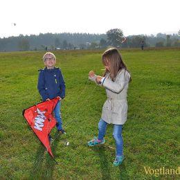 Bunte Drachen über Obergrochlitz