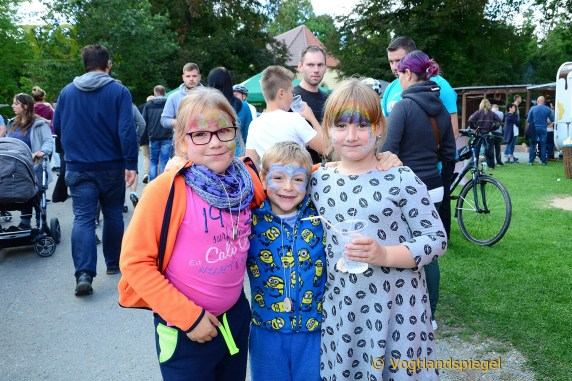 Große und kleine Gäste strömen nach Waldhaus