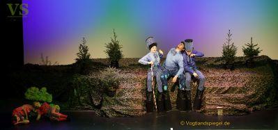 Traditionelles Weihnachtsmärchen entführt in bunte Märchenwelt