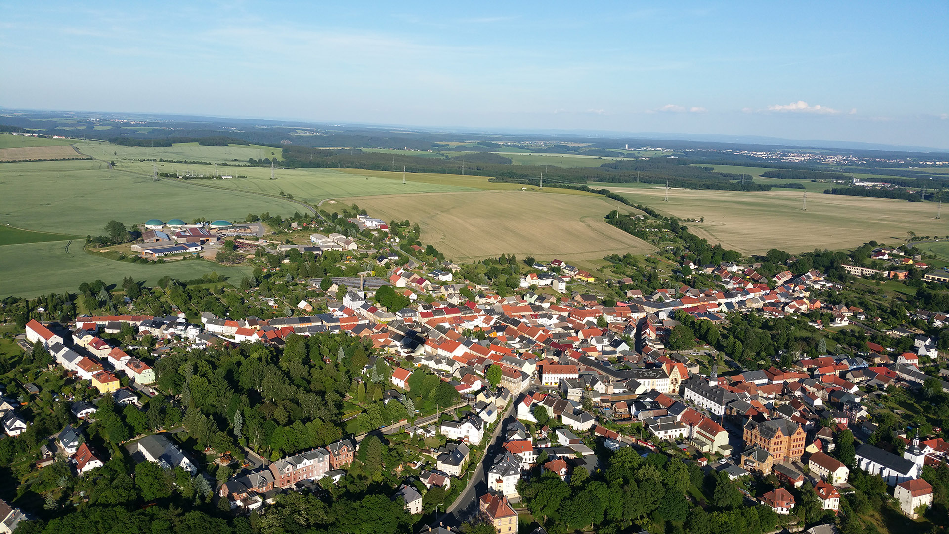 Die Stadt Auma-Weidatal von oben gesehen.