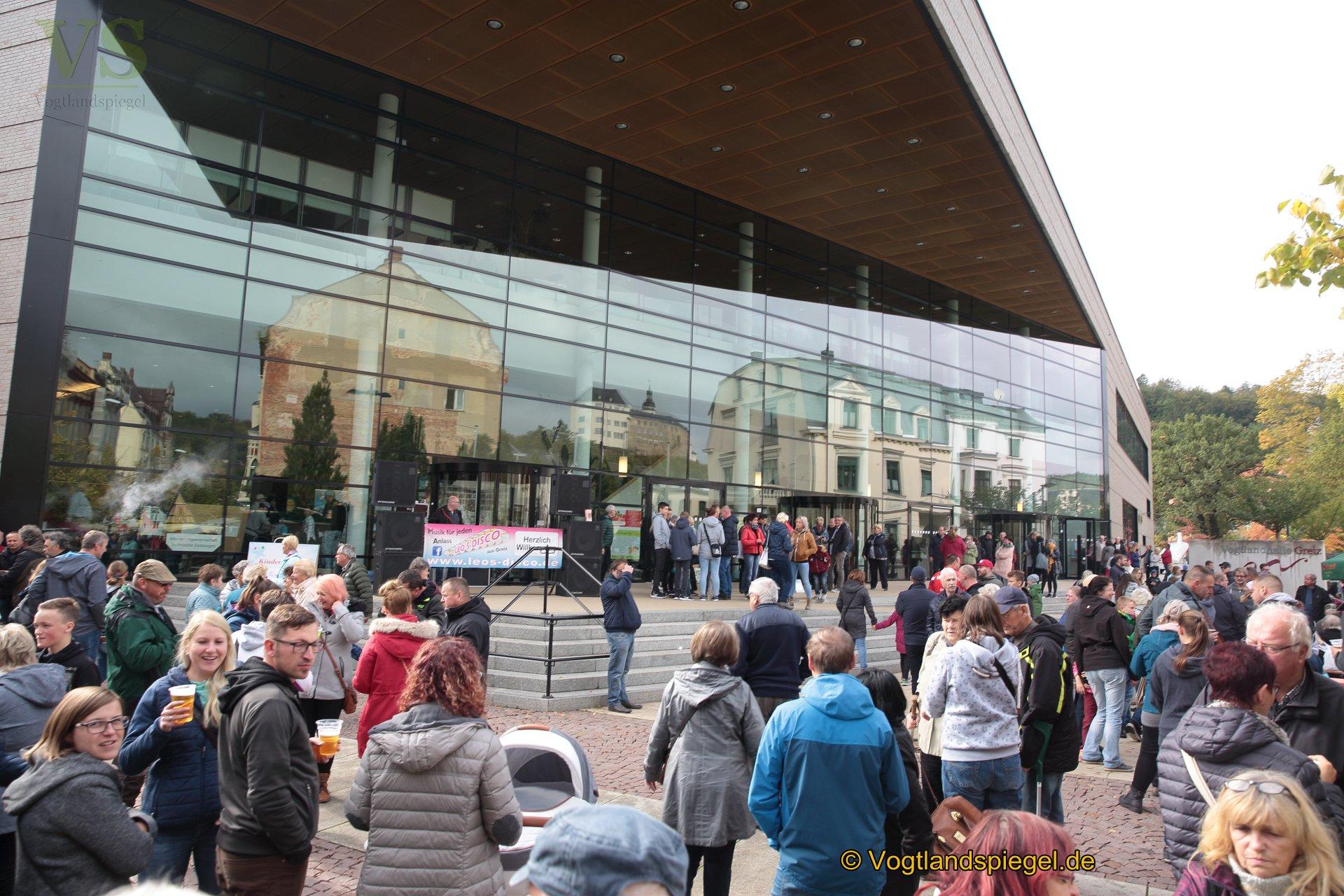 Traditionell wurde am Tag der deutschen Einheit zum beliebten Neustadtfest eingeladen.