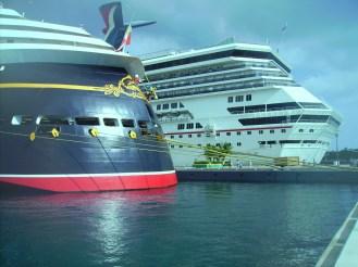 Carnival cruises lines VS Disney cruises lines