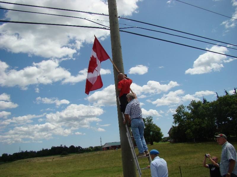 Doug Fleming (top), Peter Kamerman (middle), Merlyn Kinrade (bottom, w/blue beret), July 12/09. Photo by Jim Smith.