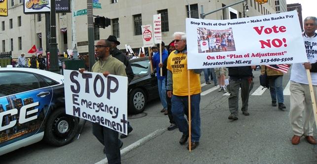 Marchers foil cops' blockade.