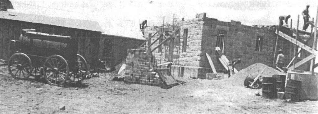 Building the mission at Houck, 1932.