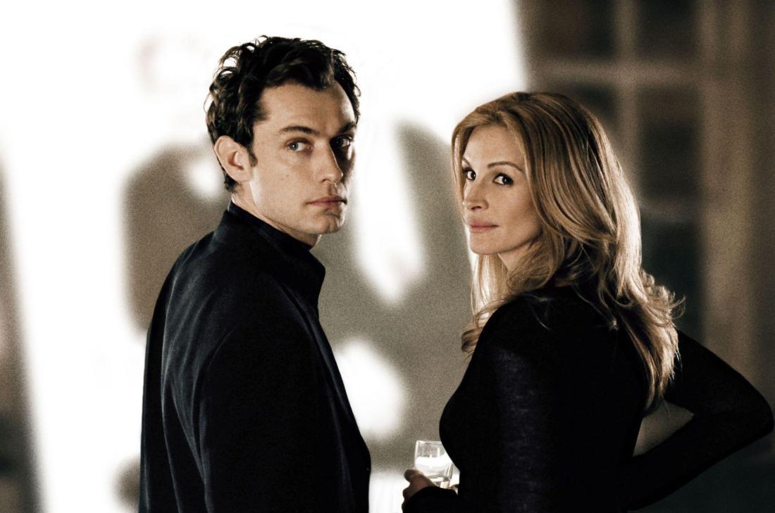 Julia Roberts & Jude Law In Closer