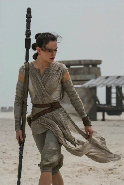 star-wars-7-force-awakens-daisy-ridley-401x600