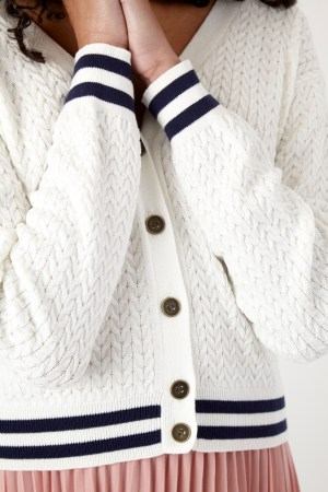 Sylvester_Cable_Cardigan_White_Detail2