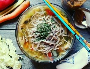 ramen-vegano-sin-gluten-sin-lactosa-sin-azucar-sin-huevo-comida-japonesa-asiatica-saludable-energetica-macrobiotica