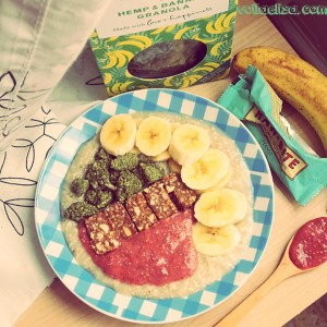 gachas-avena-porridge-platano-fresa-mermelada-granola-barrita-energetica-superfoods-superalimentos-cañamo-cebada-sin-gluten-sin-lactosa-sin-azucar-desayuno-saludable