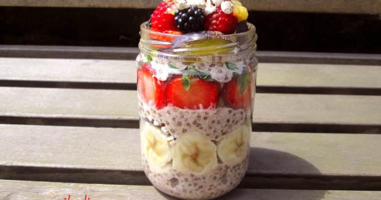 Desayuno Parfait con frutos del bosque